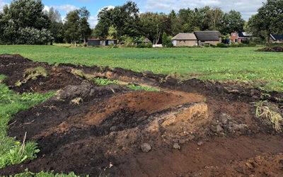 Loopgraven uit Tweede Wereldoorlog ontdekt bij opgravingen in weiland